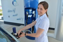 Refuelling with Hydrogen © Air Liquide